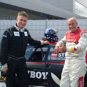 Andi Gröbl mit Hans Joachim Stuck vor einer DTM Taxifahrt
